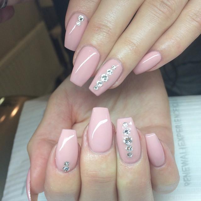 strasstenar naglar